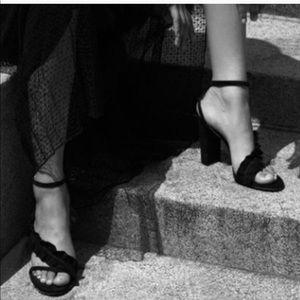 Reposh: glorious Chloe heels